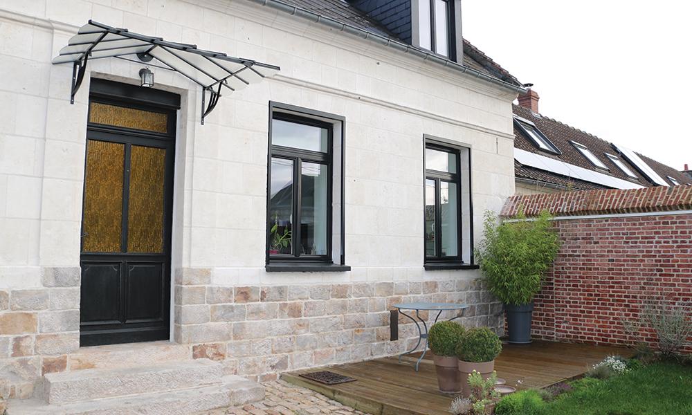 AVANT - Projet de Monsieur C. à Acq : remplacement d'une porte d'entrée