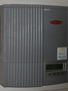photoInstallation de panneaux solaires photovoltaïques SUNPOWER 300
