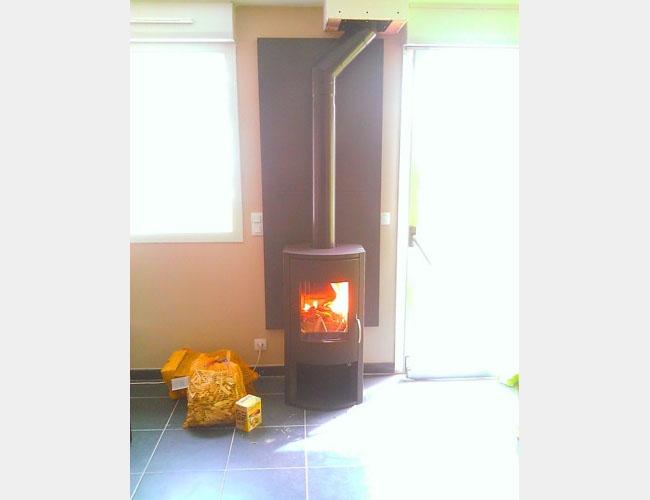 Pose d'un poêle à bûches Warm 3 dans la région de Lille