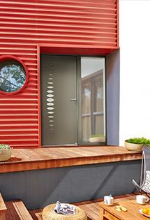 Porte d'entrée acier, un design dans l'air du temps